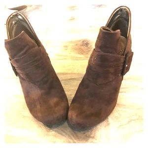 American Eagle Ankle Booties 9.5